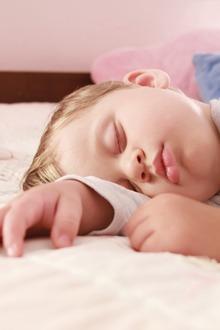 Febra la copii pe parcursul noptii