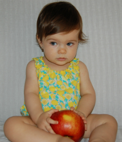 Ingrid Maria Lucia, fetita Simonei Patruleasa