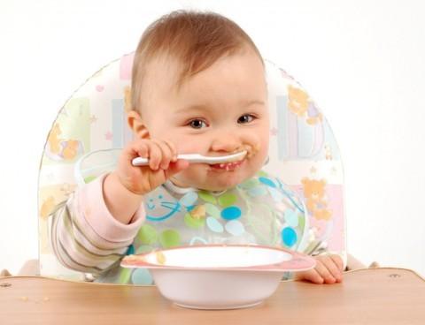 Nevoi nutritionale pentru bebelus