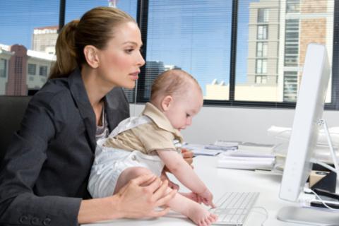 Cautarea de oferte de joburi pentru mamici