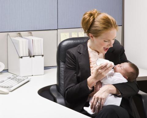 Dilema mamelor: cariera sau familia