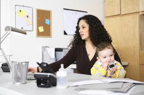 Oferte de joburi cu program flexibil pentru mamici