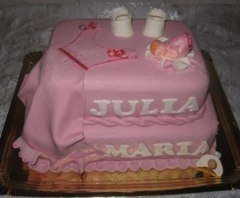 Tort rochita