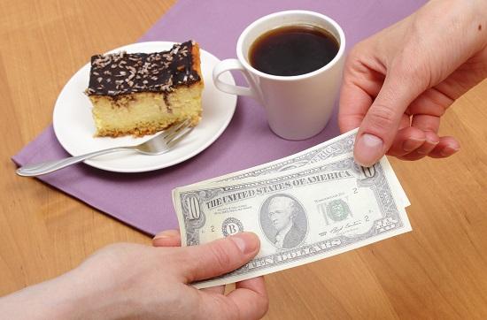 Regula de care sa tii cont in SUA: lasarea bacsisului la restaurant