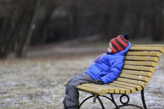 Gest bizar al copiilor- Nu le pasa de frig