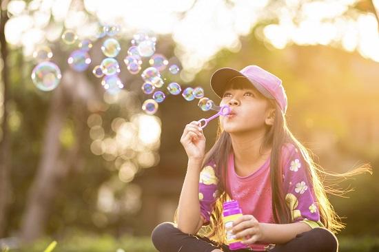 Activitate de vara pentru copii-Sa facem baloane de sapun