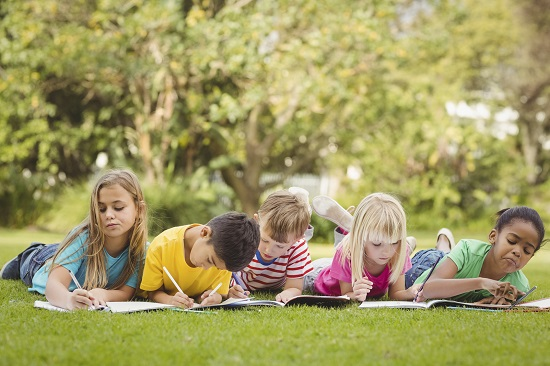 Sa tii un jurnal poate fi o activitate de vara pentru copii