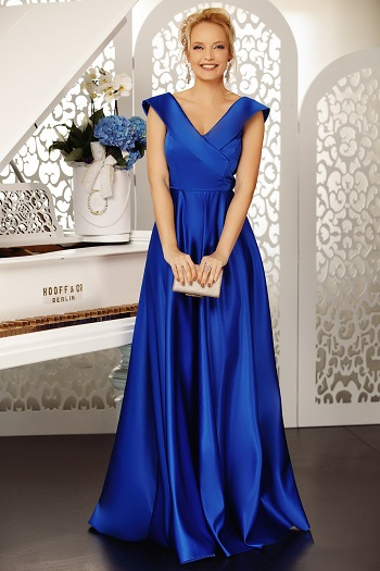 Rochie albastra, din material satinat