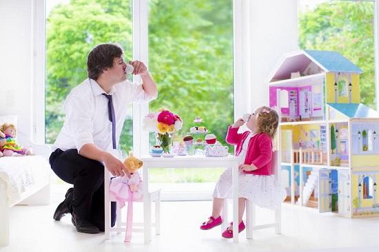 Tatal din zodia Pesti este unul dintre cei mai buni din zodiac si va adora sa se joace cu copilul sau