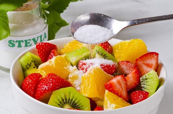 Salata de fructe indulcita cu Stevia