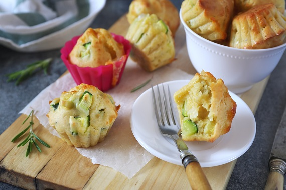 Briose cu branza si cu zucchini