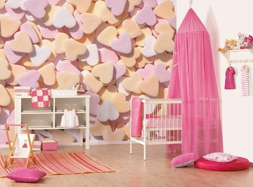 Dormitor de fetite cu inimioare pastelate
