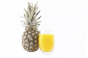 Sucul de ananas si turmericul, anticearcan natural