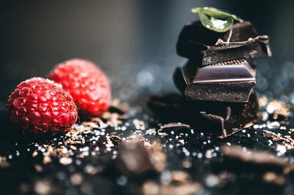 Ciocolata neagra si zmeura
