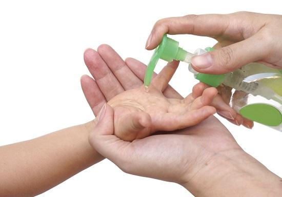 Arunca gelul dezinfectant pentru maini daca vrei sa fii mai sanatos