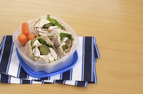 Arunca recipientele pentru alimente din anumite materiale plastice daca vrei sa fii mai sanatos