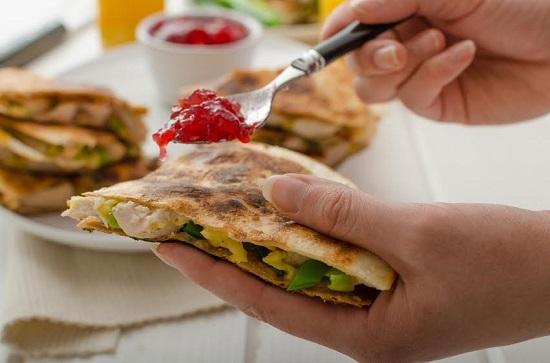 Quesadilla poate fi inclusa intr-o dieta de 7 zile
