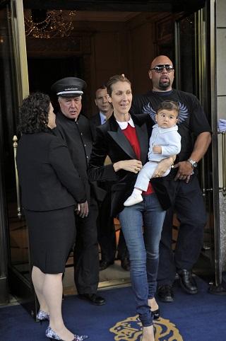 Celine Dion si unul dintre gemenii ei