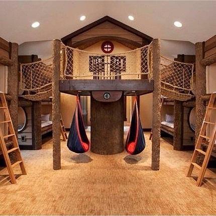 Dormitor in stil parc de aventuri