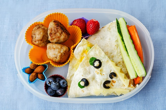 Tortilla- wrap, chftelute, legume si fructe