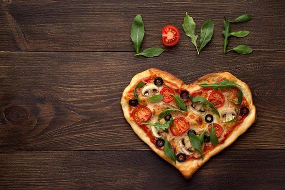 Pizza cu frunze de ruccola