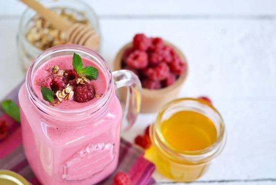 Smoothie cu fructe de padure