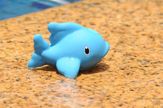 Delfin de jucarie