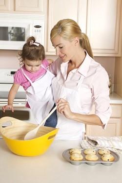 Activitate casnica pentru copii: gatitul
