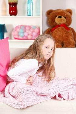 Fetita pe care o doare burta