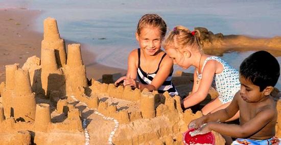 Castelul de nisip al  prieteniei
