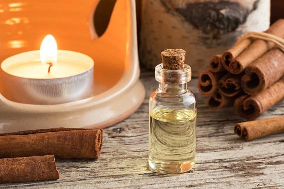 Ulei esential de scortisoara pentru aromaterapie