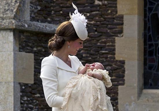 Ducesa de Cambridge,  Catherine, alaturi de fiica sa, Charlotte