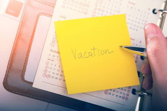 Incercare de a planifica o vacanta, uitandu-ne pe un calendar