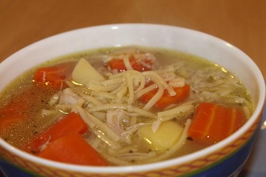 Supa de pui cu morcovi