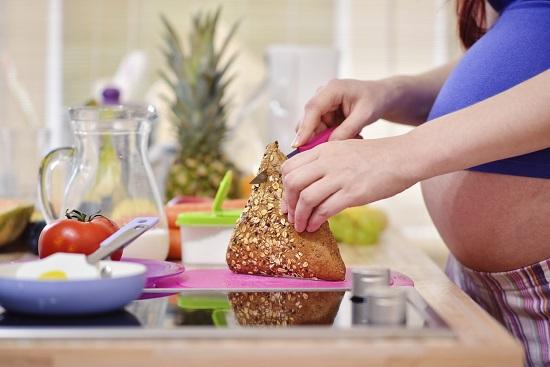 Poti consuma produse de panificatie cu seminte de in in timpul sarcinii