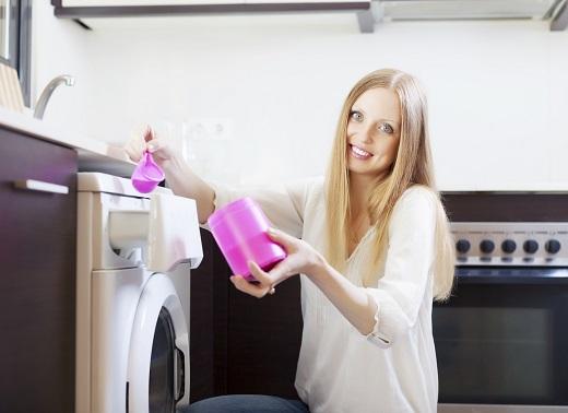 Greseala la spalatul rufelor:folosesti prea mult inalbitor