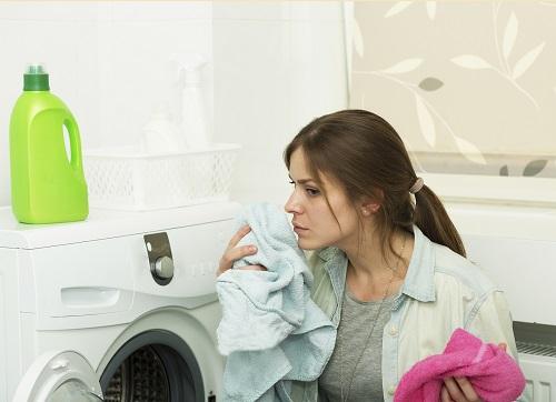Nu trebuie sa uitam sa curatam compartimentul pentru detergent