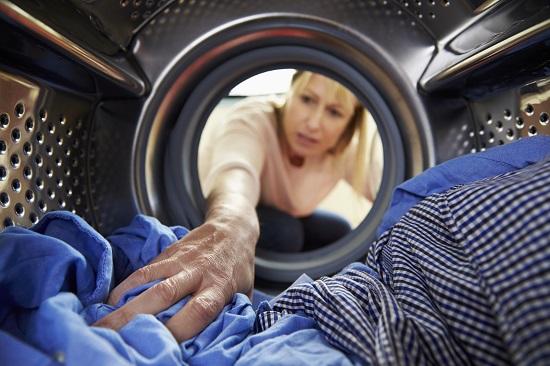 Greseala in materie de spalat al rufelor: pui prea multe lucruri in masina