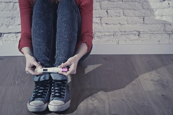 La adolescente, nu este neaparat vorba despre o sarcina fara simptome, ci de incapacitatea de a le identifica