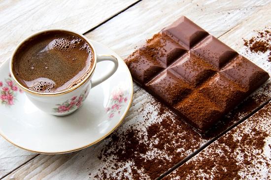 Datorita cafeinei, ciocolata trebuie consumata prudent in timpul alaptarii
