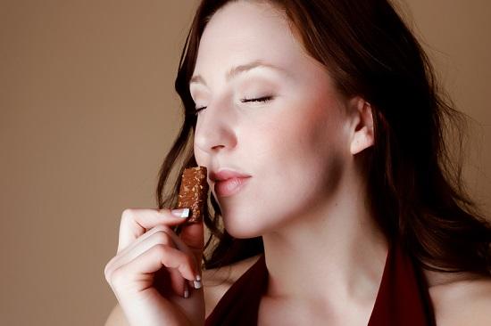 Nu trebuie sa faci exces de ciocolata in timpul alaptarii
