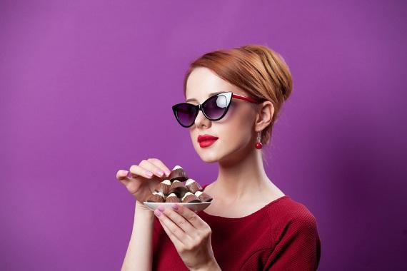 Fata ce ar vrea sa manance bomboane de ciocolata