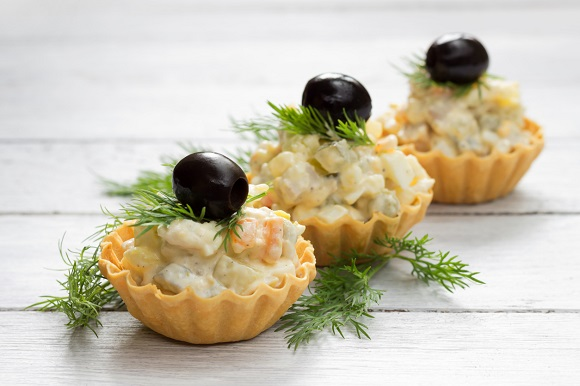 Mini-tarte cu salata de boeuf