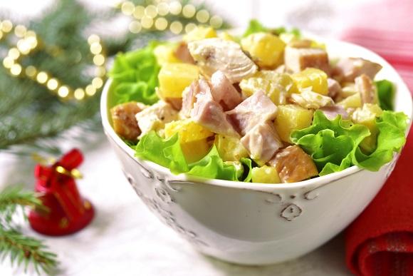 Salata cu pui si cu ananas