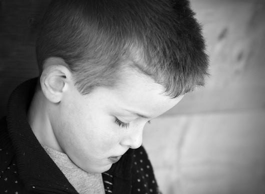 Copilul adoptat se poate confrunta cu un sentiment de tristete profunda