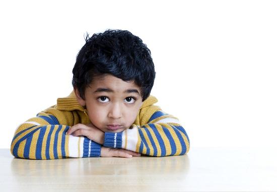 Copilul cu parinti divortati se poate simti abandonat