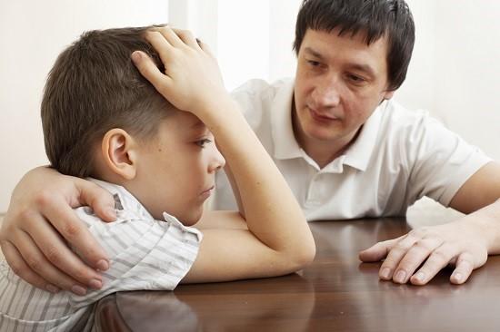 Sfat de la specialistii in psihologia copilului cu parinti divortati: explicati-i copilului ca divortul presupune separare