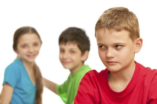 Consecinta a divortului: copilul poate avea tendinta de autoizolare