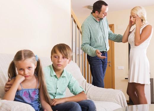Sfatul expertilor: parintii nu trebuie sa se certe si sa se critice in fata copilului