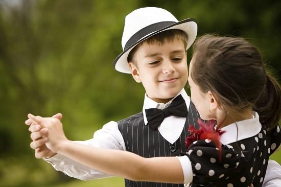 Activitate extracurriculara: cursuri de dans